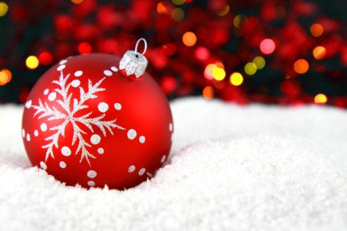 christmas ball decoration on snow free christmas wallpaper
