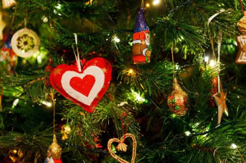 christmas tree wallpaper background image